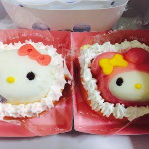 とっても可愛いケーキを見つけました♡かわいいお顔の下は堂島ロールなんです!!