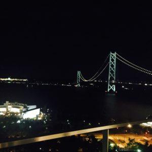 夜の明石海峡大橋です☆