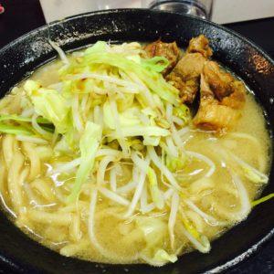 初めて二郎系ラーメン食べました♬ 野菜のマシマシはやめておきました(笑)