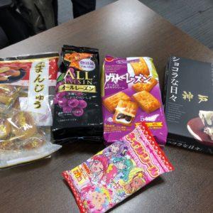 スタッフさんから頂きました!和洋色々なお菓子ありがとうございます(^^)♬